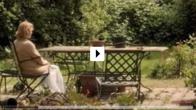 Zum Video: Satte Farben vor Schwarz