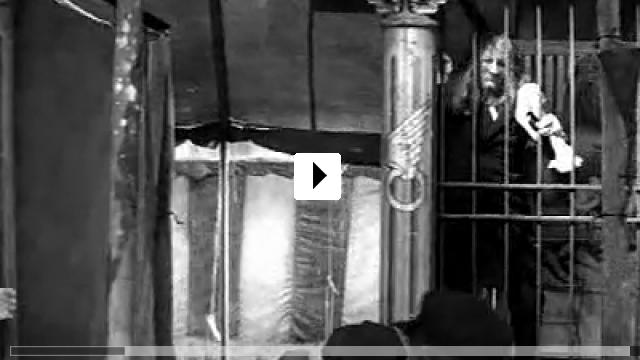 Zum Video: Der Elefantenmensch