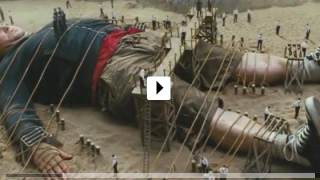 Zum Video: Gullivers Reisen - Da kommt was Großes auf uns zu