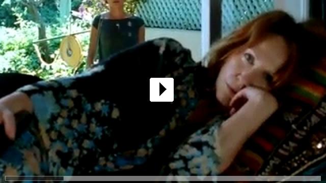 Zum Video: Bezaubernde Lügen