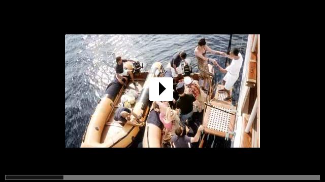 Zum Video: Stürmische Liebe - Swept Away