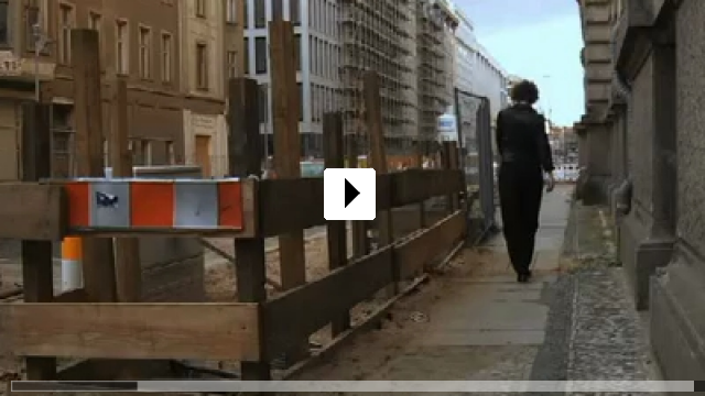 Zum Video: Eine flexible Frau