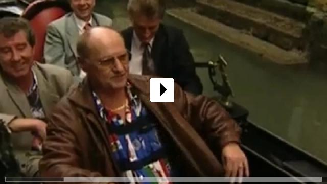 Zum Video: Knutschen, kuscheln, jubilieren
