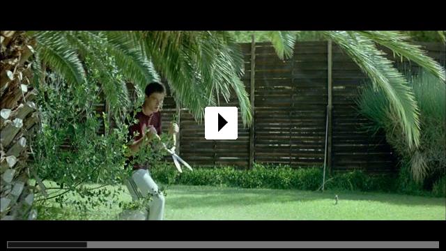 Zum Video: Dogtooth