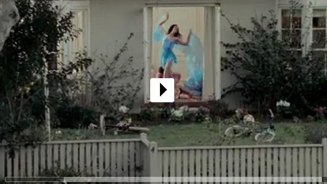 Zum Video: In Her Skin