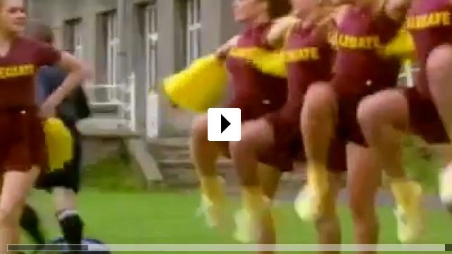 Zum Video: Kick It with Samba - Heiße Rhythmen, große Liebe