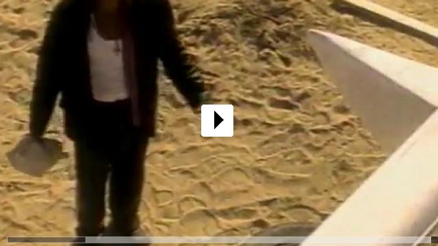Zum Video: Love Kills - Nicht nur die Liebe tötet