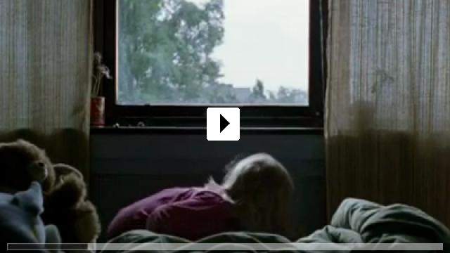 Zum Video: She Monkeys