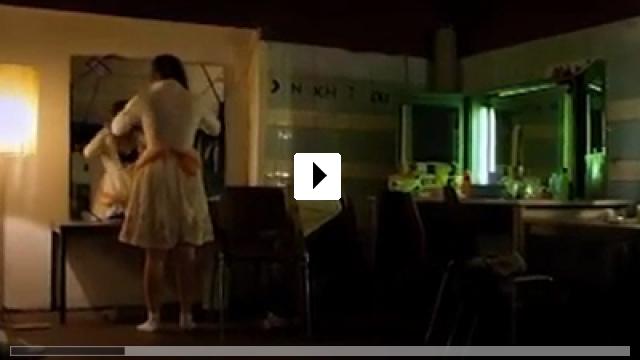 Zum Video: Die Unsichtbare