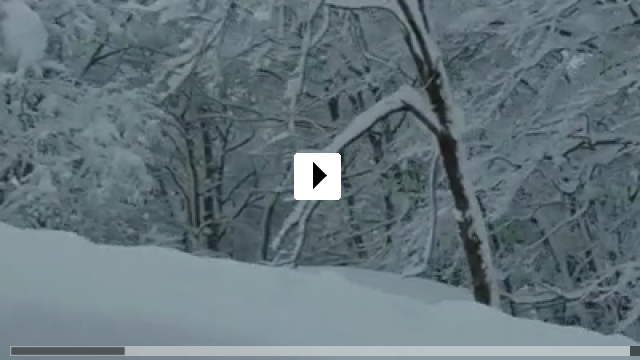 Zum Video: Unter Schnee
