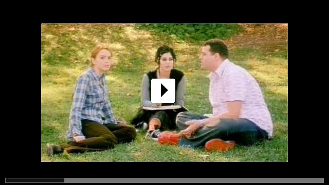 Zum Video: Girls Club - Vorsicht bissig