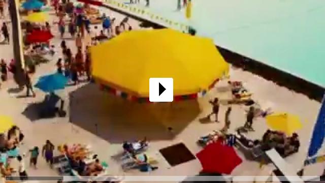 Zum Video: Piranha 3DD