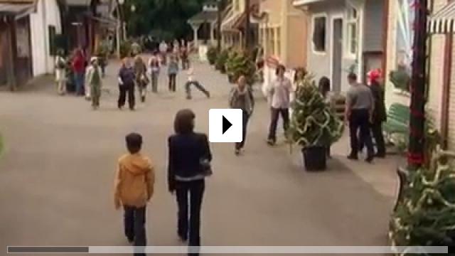 Zum Video: Christmas Town - Die Weihnachtsstadt