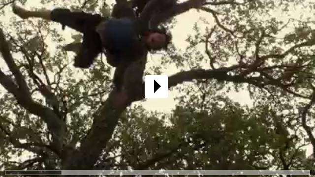 Zum Video: Unter Wölfen - Entre Lobos