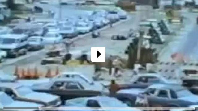 Zum Video: Falling Down - Ein ganz normaler Tag