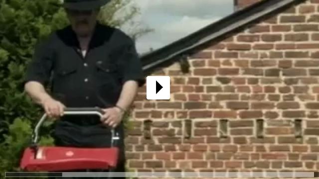 Zum Video: Sergej in der Urne
