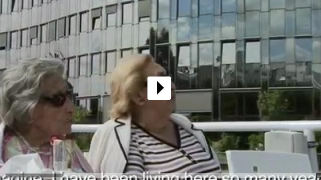 Zum Video: Oma & Bella