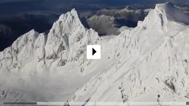 Zum Video: The Mountain Runners