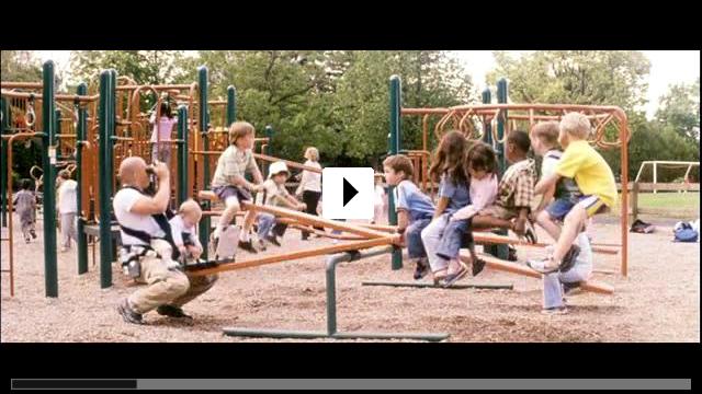 Zum Video: Der Babynator