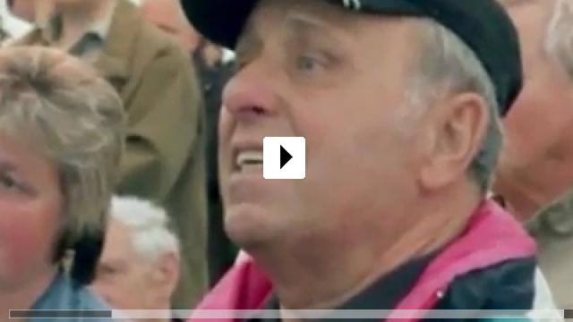 Zum Video: Friede Freude Eierkuchen